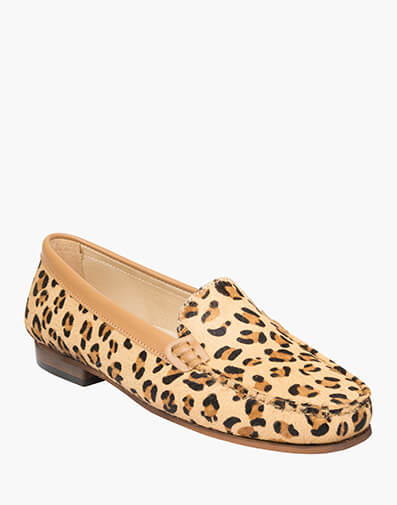 Alinda  in LEOPARD for $159.95